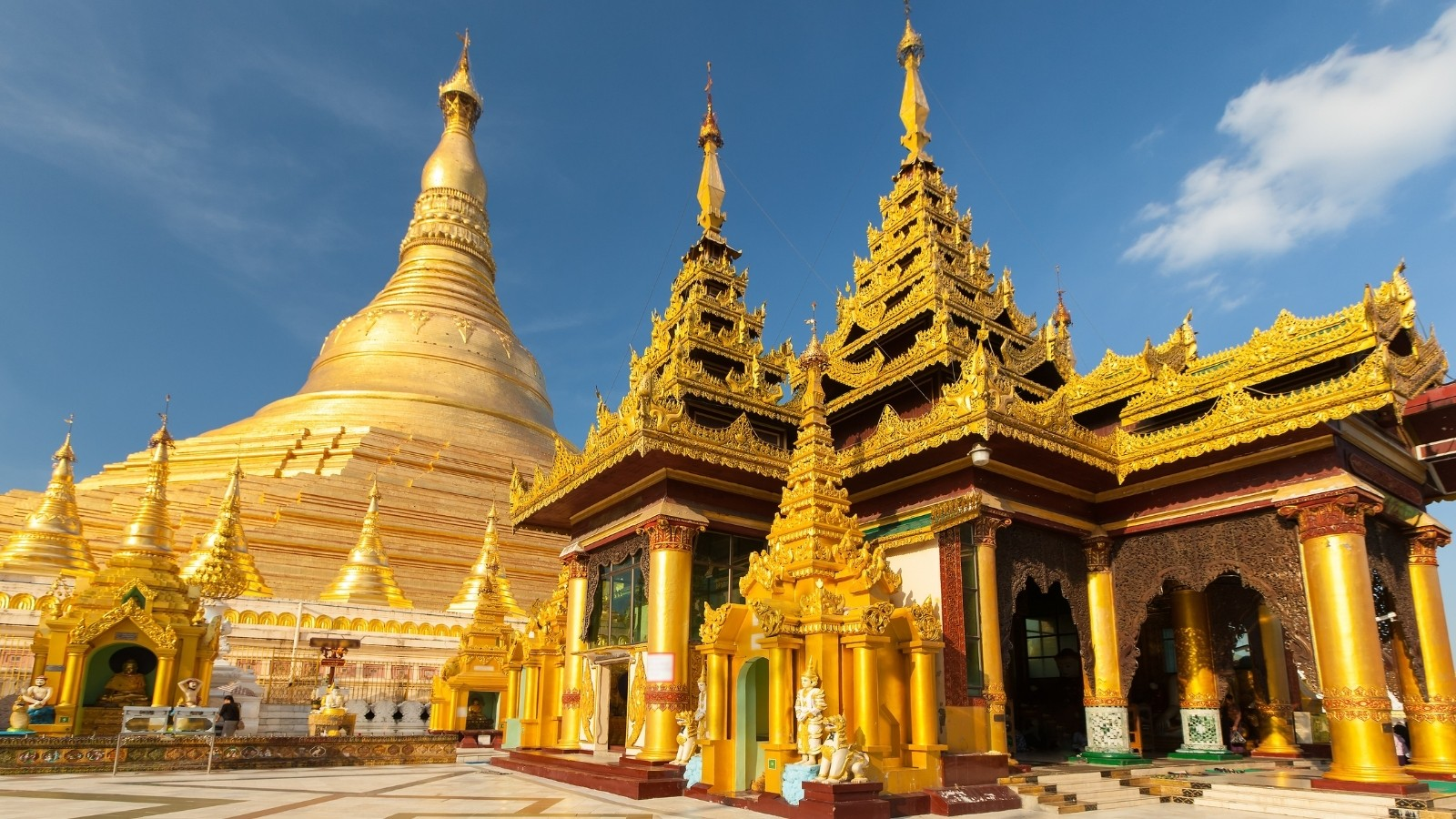 shwedagon pagoda 1 1600px